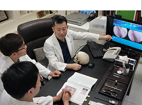 Dr. Lee's academic activities